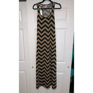 Faded glory Tan Black Chevron Maxi Dress Medium